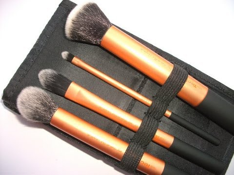 6. Real Techniques Cruelty Free Powder Brush