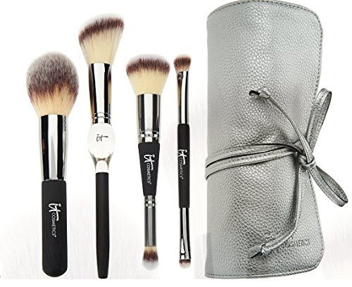 8.IT Cosmetics Heavenly Luxe French Boutique Blush Brush