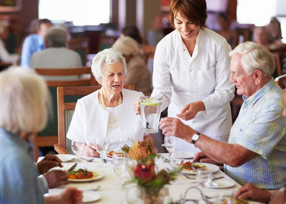 What restaurants offer senior citizen discounts