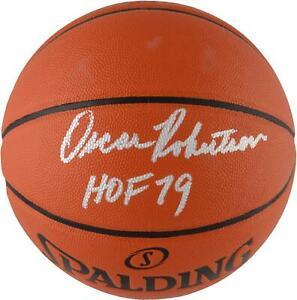 Oscar Robertson Milwaukee Bucks Signed I/O Basketball w/